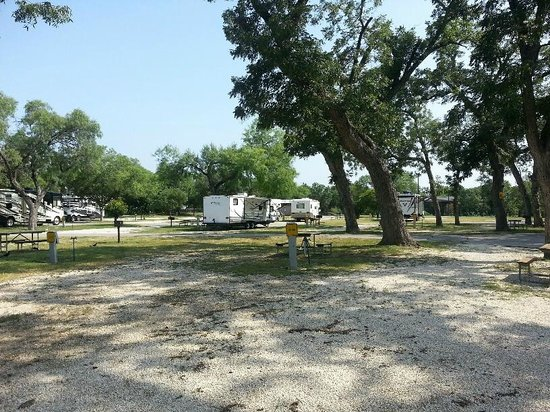 San Antonio KOA Campground: RV/TT campsites