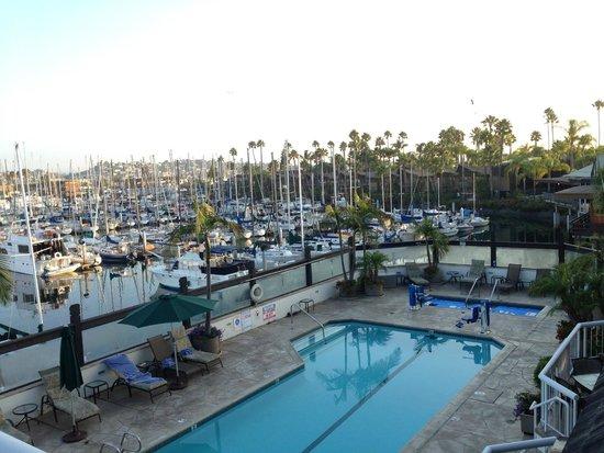 Bay Club Hotel & Marina: View from balcony marina side