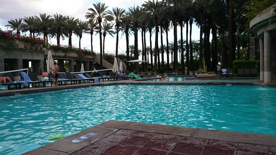 Hyatt Regency Scottsdale Resort and Spa at Gainey Ranch: One of the swimming pool