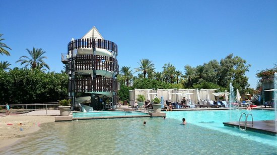 Hyatt Regency Scottsdale Resort and Spa at Gainey Ranch: Waterslide and a mini Beach great!