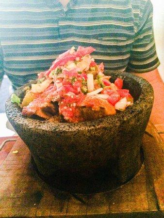 Salsa Mexican Caribbean Restaurant : Steak molcajete