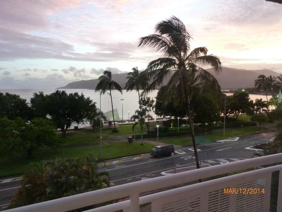 DoubleTree by Hilton Hotel Cairns: View from the room