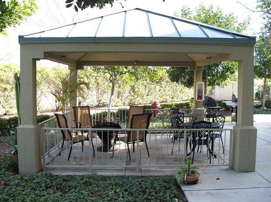 Candlewood Suites Orange County, Irvine Spectrum: Guest Patio
