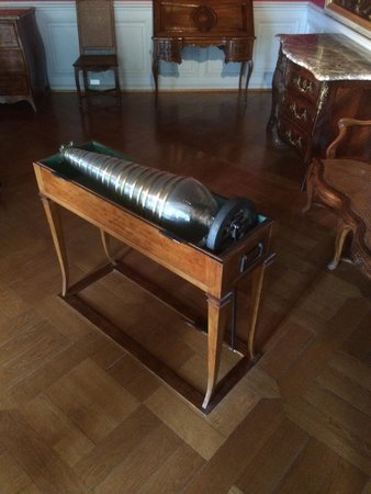 Musée Unterlinden : glass harmonica - listen to sample of sounds!