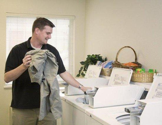 Candlewood Suites Fargo: Laundry Facility