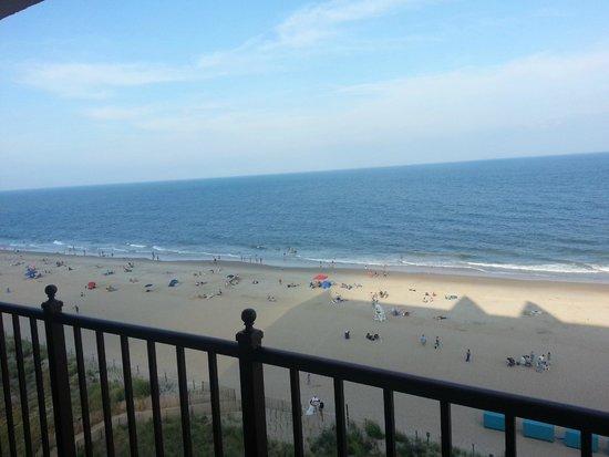 Dunes Manor Hotel & Suites: View from 6th floor balcony
