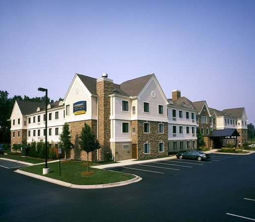 Staybridge Suites Detroit-Utica: East View