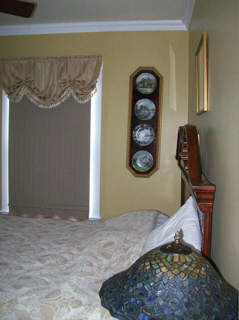 St. George's, Canada: Pan pic of room