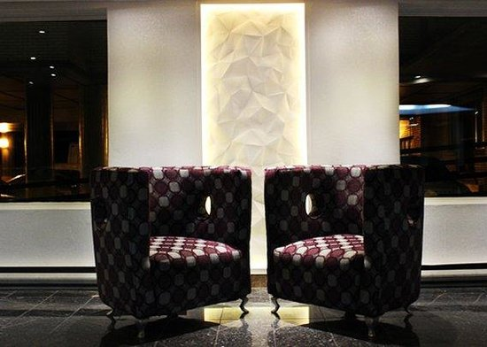 Quality Hotel & Suites Downtown : Lobby Lounge