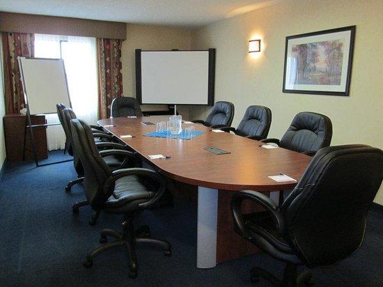 Quality Inn & Suites Mississauga: New Boardroom