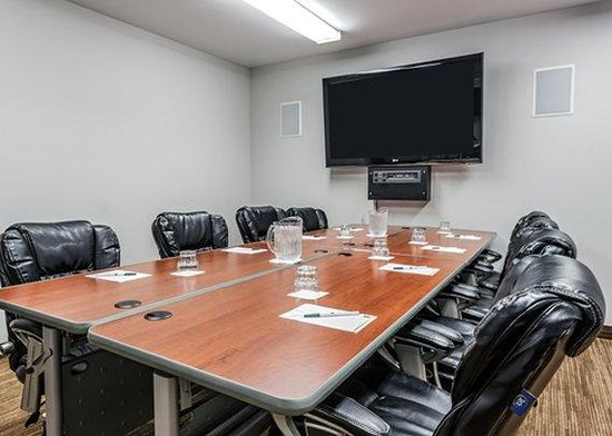 Quality Inn & Suites Matane: CNMeeting Room Trianon