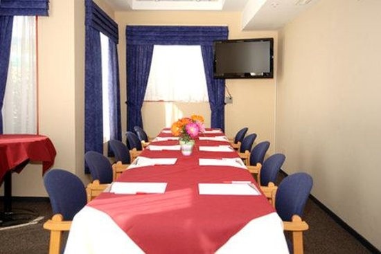 North Vancouver Hotel: Meeting Room