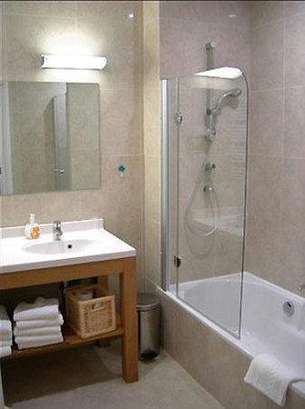 Housingbrussels: Bathroom