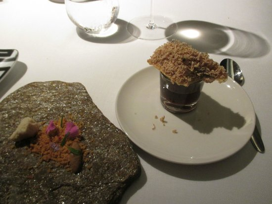 ABaC Restaurant : Foie gras, with instructions to eat each item in order