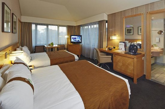 Holiday Inn Hasselt : Twin Executive room with 2 double beds