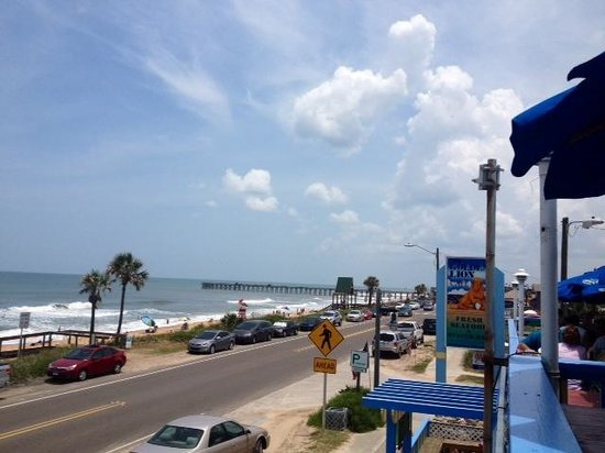 The Golden Lion Cafe : Roof top dining overlooking Flagler Beach & the Ocean