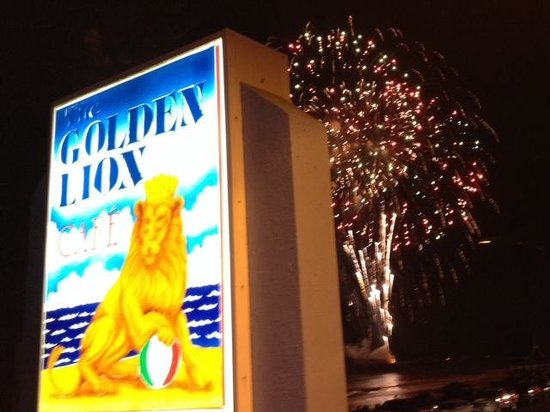 The Golden Lion Cafe : 4th of July in Flagler Beach
