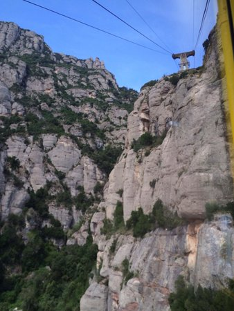 Barcelona Turisme - Afternoon in Montserrat Tour: Heading down with the cable car