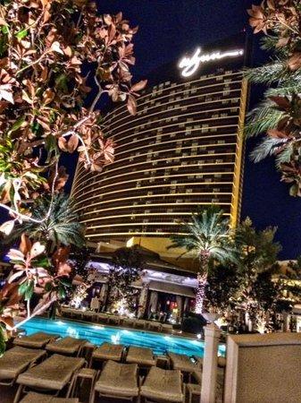 Wynn Las Vegas: Walking into Xs nightclub