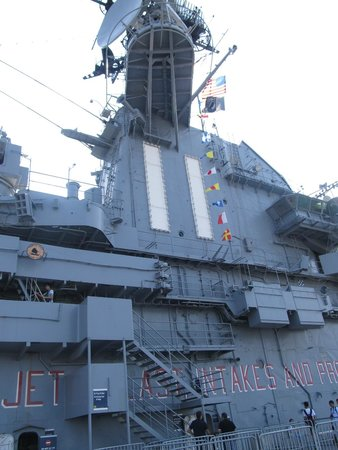 Intrepid Sea, Air & Space Museum: Tower of the aircraft carrier
