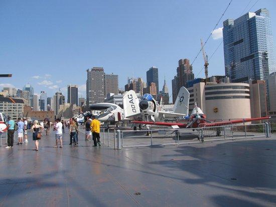 Intrepid Sea, Air & Space Museum: Flight deck