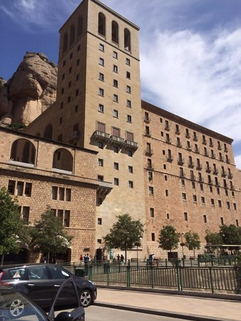 Barcelona Turisme - Afternoon in Montserrat Tour: Beautiful building