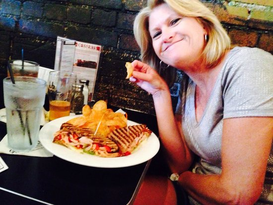 Gella's Diner & Lb. Brewing Co.: Sarah has all smiles!