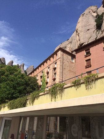 Barcelona Turisme - Afternoon in Montserrat Tour : Neat