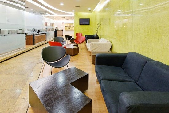 Holiday Inn Express Medellin: Guest Lounge