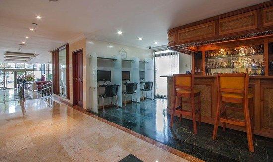 Hotel Andes Plaza: Lobby Bar