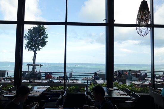 Hilton Pattaya: レストラン