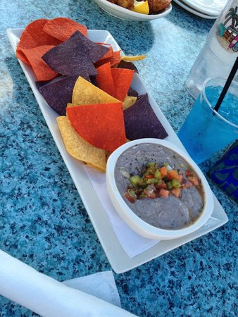 Amara Cay Resort: black bean hummus and abundance of chips