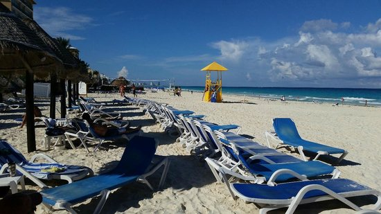 Golden Parnassus All Inclusive Resort & Spa Cancun: beach chair view