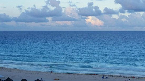 Golden Parnassus All Inclusive Resort & Spa Cancun: ocean