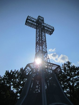 Mont (Mount) Royal: Mont Royal Cross