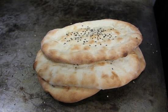 Maimana Naan & Kabab Restaurant: Naan