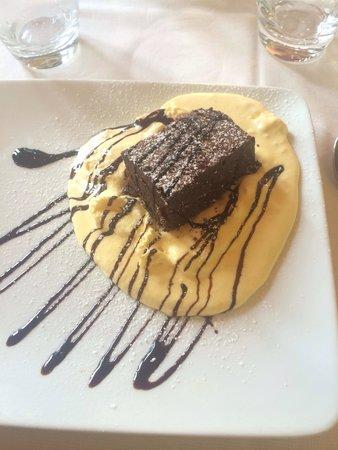 Ristorante Bella Vita: il dolce piú buono che io abbia mai assaggiato, cioccolato su crema al mascarpone