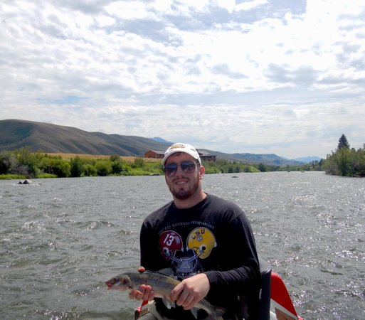Yellowstone Fishing Guides: Catching trout