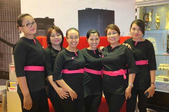 Nail technicians uniform picture of think pink nails for Uniform spa bali