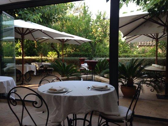 Ca's Curial: Breakfast/dinner patio