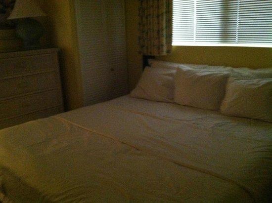 Shell Island Resort: King bedroom