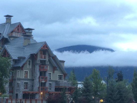 Whistler Peak Lodge : Front of hotel