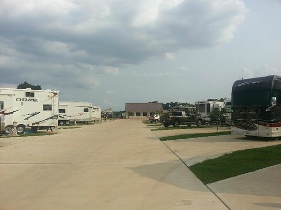 Advanced RV Park: another row of sites