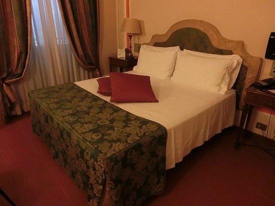Hotel Canada, BW Premier Collection: ダブルルームシングルユース 広いベッドで快適