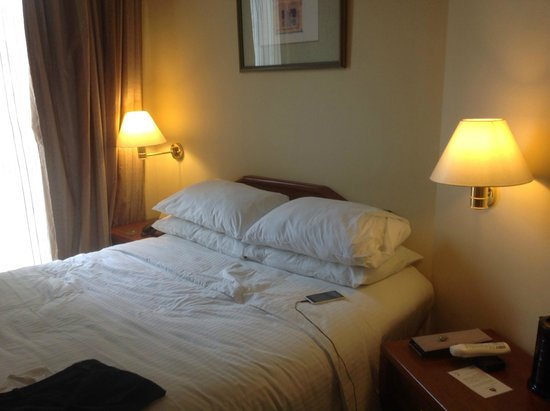 Village Hotel Albert Court by Far East Hospitality : COMFY BED 5*