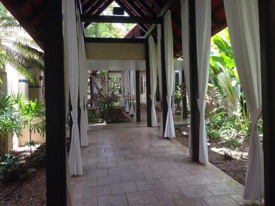 Renaissance St. Croix Carambola Beach Resort & Spa: Entry
