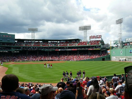 Fenway Park: Pitchers walking to the dugout. Sox vs Mariners 08/23/14