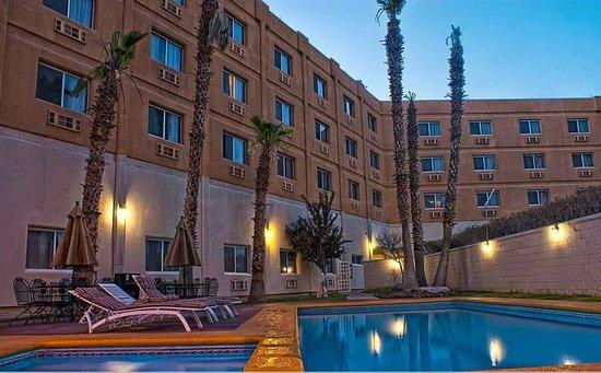 Casa Grande Business Plus by US Consulate: ALBERCA