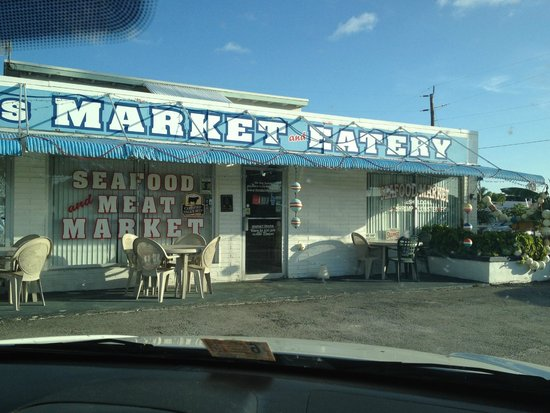 Fish Tales Market & Eatery: not much from the outside