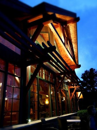 Crowne Plaza Lake Placid : Sitting on the patio...